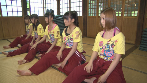 SUPER☆GiRLS Cheeky Parade